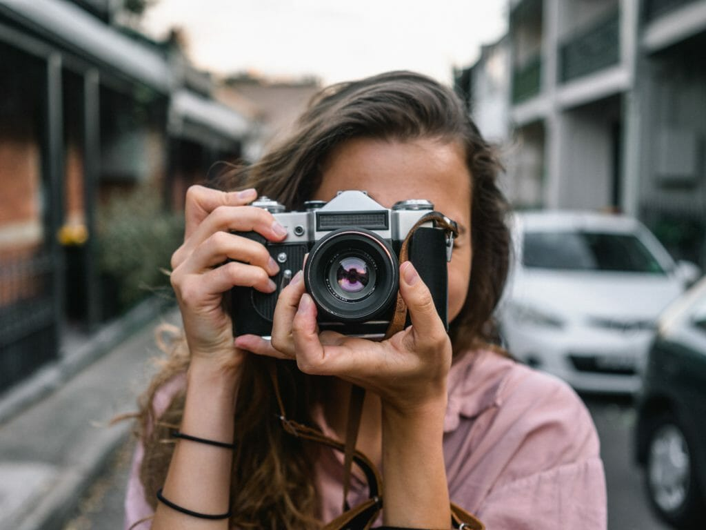 Best Compact Camera Under 1000 in 2019 (Buying Guide)