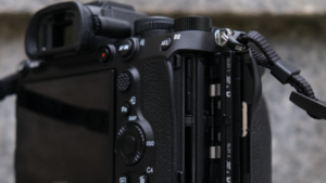 Sony Alpha A7R IV Review (A Full-frame Mirrorless Camera)