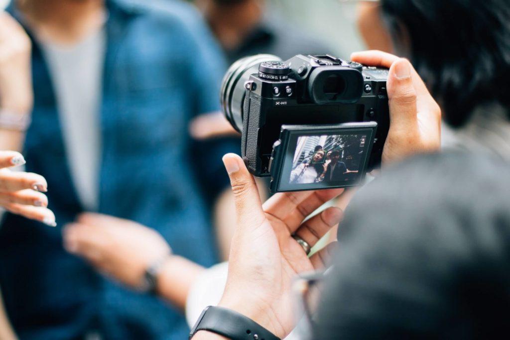 A Good Vlogging Camera under 300